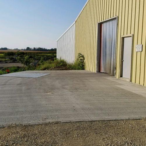 loading dock for warehouse